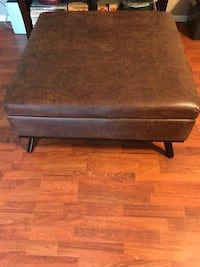Storage ottoman new! Regular price is over $300! Give me an offer! Columbus, 43214