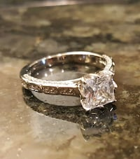 Beautiful 1.5 Ct CZ Diamond Engagement Ring with S Surrey, V3S