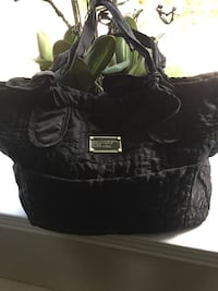 Authentic Marc Jacobs large purse like new  Laval, H7P 5X1