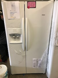 New scratch and dent Frigidaire side by side doors fridge  Laurel, 20707