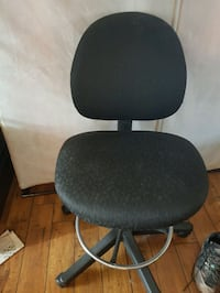office chair Mississauga, L5M 3A9