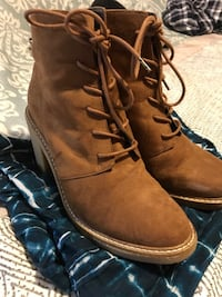 High heel (chunky) boots - used once 482 km
