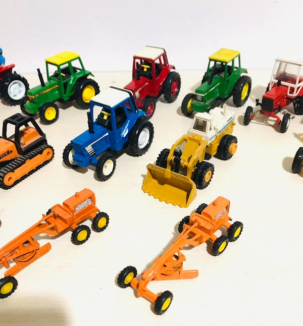 Farm Machine Die Cast Metal Cars In 1/43 Scale! By different makers 37a857dd-a7cb-4443-b161-75d93e8ab5b2