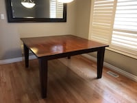 Solid wood table Whitchurch-Stouffville, L4A 0Z5
