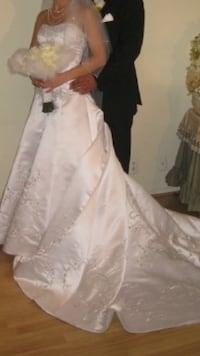 Wedding dress in good condition size 0 Los Angeles, 91401