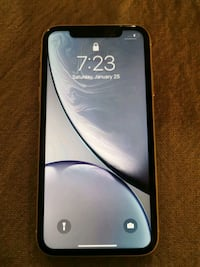 iPhone XR 64 GB w/box and accessories