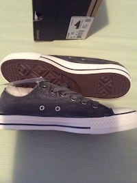 Converse pair of black-and-white low-top sneakers New York, 11209