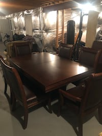 Beautiful Formal Dining Room Set with Six (6) Chairs Fort Washington, 20744