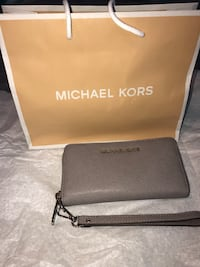 Grey Michael Kors leather Wallet Silver Spring, 20901