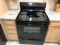 Electric Range Stove Excellent Condition Like New. Only in service 5 months.like New Hampton, 23669
