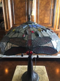 Stained glass table top lamp