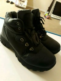 Boys shoes size 6.5 Alexandria