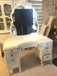Make-up & hair dressing table-ANTIQUE Charleston