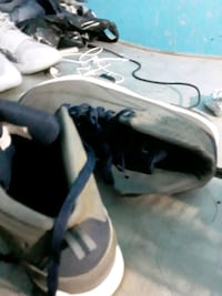 Sneakers size 8 in kids The Bronx, 10456