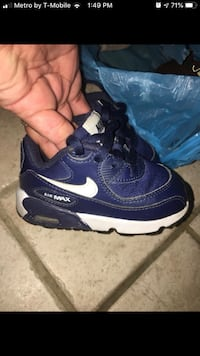 Toddler size 6c Nike