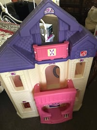Step 2 Barbie house great condition!