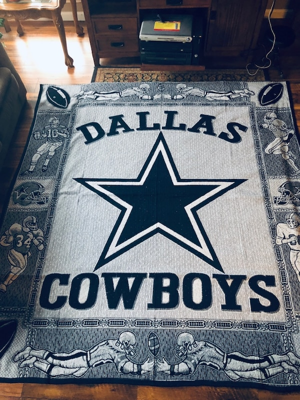 91bc7da2115 Used Beautiful new king size Dallas Cowboys blanket/Throw for sale in  Mansfield - letgo