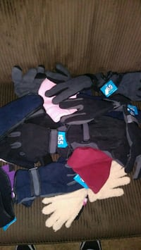 New!!! Assorted Hats and Gloves Adults/kids Aurora, 80014