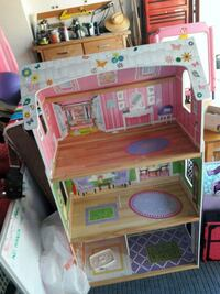 brown and pink wooden dollhouse Huntington Beach, 92649