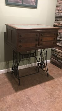 Brown and black singer treadle with antique desk Islip, 11795