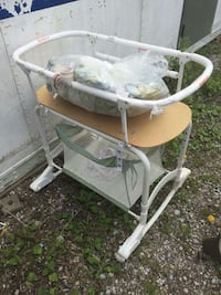 baby's white and brown bassinet frame Cambridge, N1R 8R4