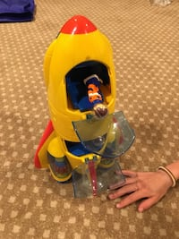 Rocket ship plastic toy