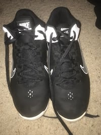 20$ size 11 nike basketball shoes