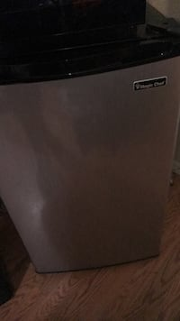 gray and black Magic Chef compact refrigerator Bakersfield, 93313