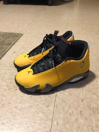 save off 95da3 1c882 Used Air Jordan 14 Reverse Ferrari (size 8) for sale in Nashville - letgo