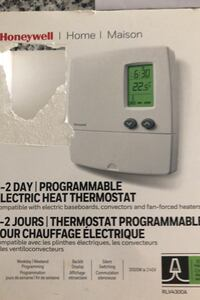 Honeywell 5-2day thermostat Oakville, L6H 0G6