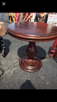 Wooden pedestal table  OSBORNVILLE, 08723