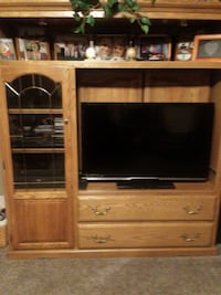 Solid oak entertainment center Adamstown, 21710