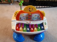 Fisher-price interactive Grand Piano FRENCH  $20 Barrie