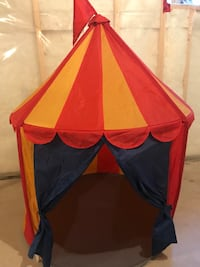 yellow and orange carnival indoor tent