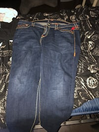 True religion jeans Halle collection size 34 and worn only once. The original price was over 400. 278 mi