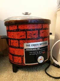Red and black slow cooker. Pls check my other items!! Alexandria, 22312