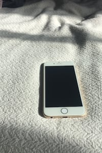 Gold I phone 6 PRICE IS NEGOTIABLE