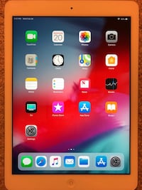 APPLE IPAD AIR EXCELLENT CONDITION LIKE NEW 16GB $220 OBO. NO SHIPPING OR PAYPAL ONLY CASH IN PERSON Ashton, 20861