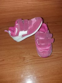Zapatillas rosas número 22 Madrid, 28012