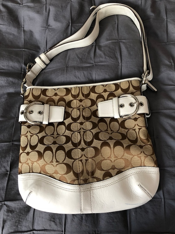 Used brown and white Coach monogram shoulder bag for sale in San Mateo -  letgo 367c903b429d4