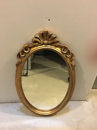 Gorgeous Gold Oval Mirror King, L0G 1N0