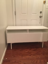 Ikea tv stand with drawer  Woodbridge, 22191