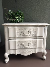 Vintage-styled dresser (small) / end table Orlando, 32835