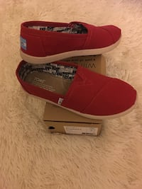 TOMS (Youth Size 5.5) Women size 7.5