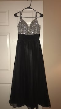 beautiful long black dress - size 0/2 San Diego, 92108
