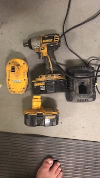 DeWalt cordless hand drill with battery charger Grand Junction, 81505