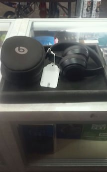 Beats solo 3 headphones 208243-1