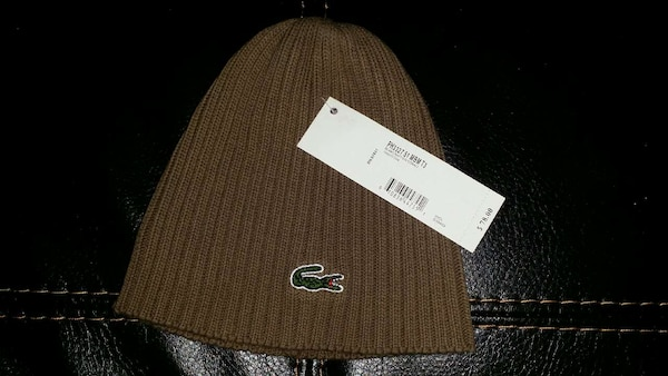 LACOSTE TOQUE (brand new)