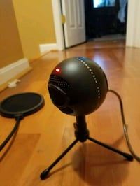 Blue microphone with pop filter