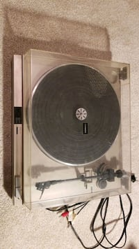 Fisher variable speed, magnetic cartridge  turntable.  Chesapeake, 23322
